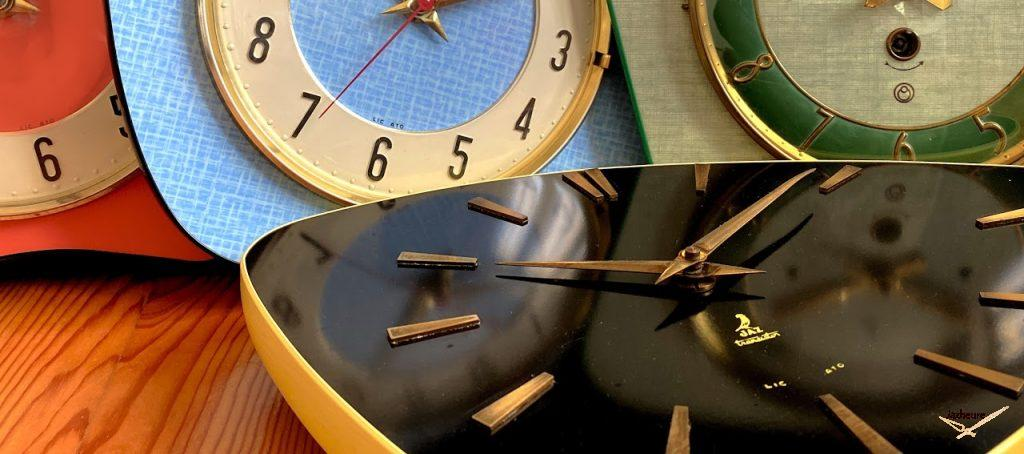 Horloges Jaz formica Tortic, Peintic, Platic et devant Frimic