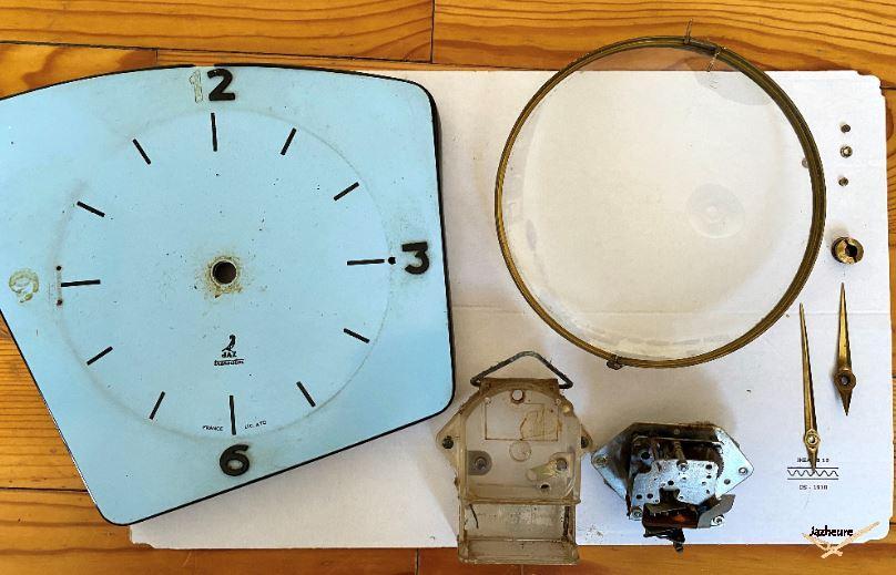 Démontage horloge Jaz TURIC
