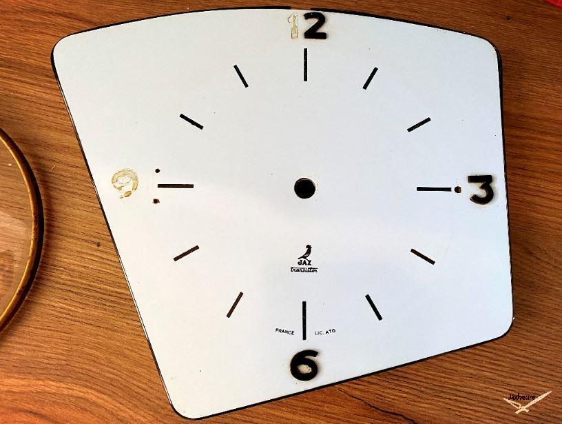 Nettoyage Horloge Jaz TURIC