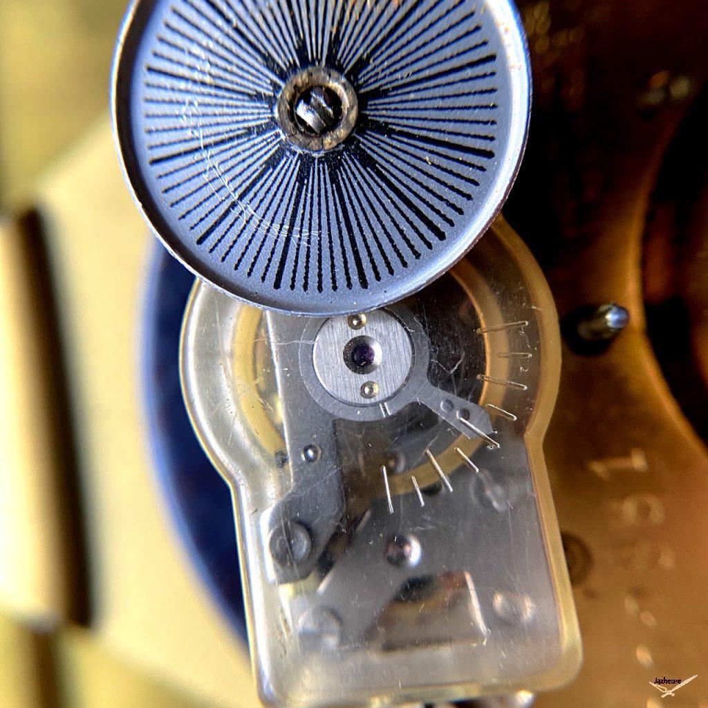 Calibre de l'horloge sur pied Vedette
