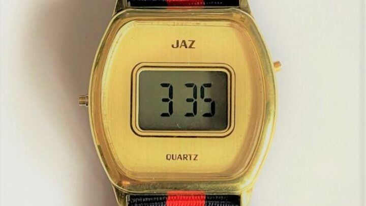 Montre Jaz Quartz LCD plaquée (vers  1979)