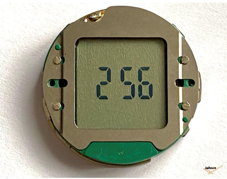 Le calibre SWISS de la Jaz Quartz LCD